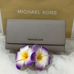 NWT- Michael Kors- Trifold Wallet